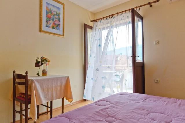 Apartments Igor - 42571-A3 - Image 1 - Stari Grad - rentals