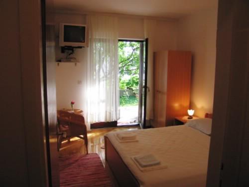Apartments Danica - 50641-A2 - Image 1 - Mlini - rentals