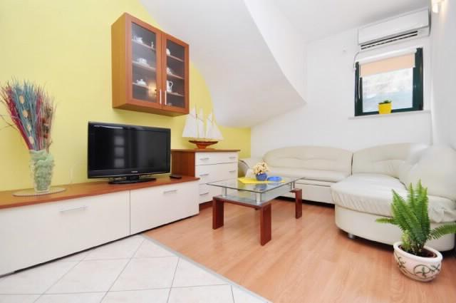 Apartments Ivo - 53161-A1 - Image 1 - Vela Luka - rentals