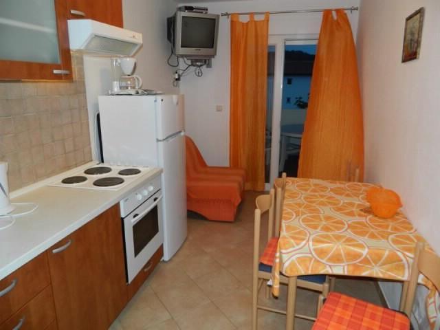 Apartments Snježana - 65631-A2 - Image 1 - Lopar - rentals