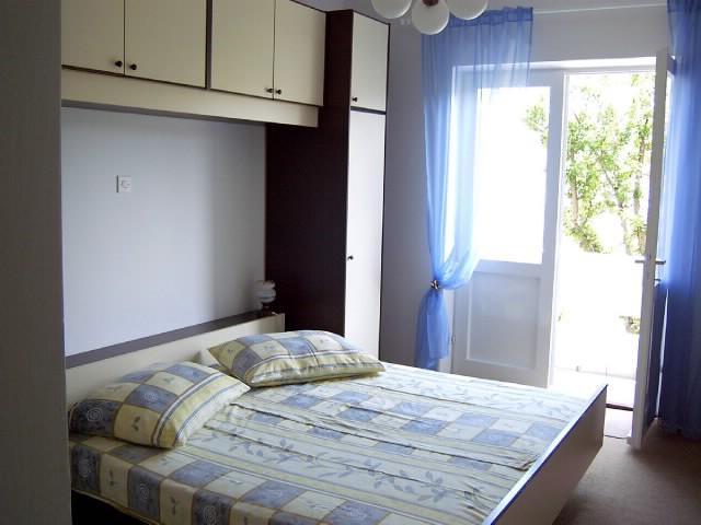 Apartments Susana - 67111-A1 - Image 1 - Supetarska Draga - rentals