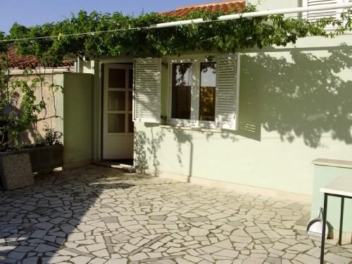 Apartments Zora - 70192-A1 - Image 1 - Rakalj - rentals