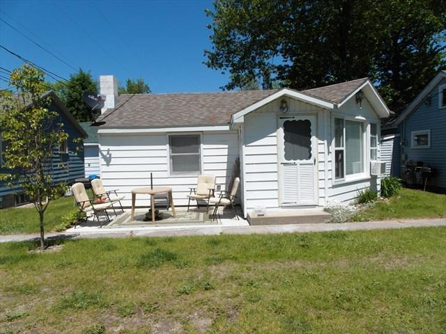 Queen Bee Cottage - Image 1 - Michigan - rentals