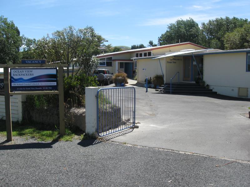 Front Entrance - Ocean View Apartment - Dunedin - rentals