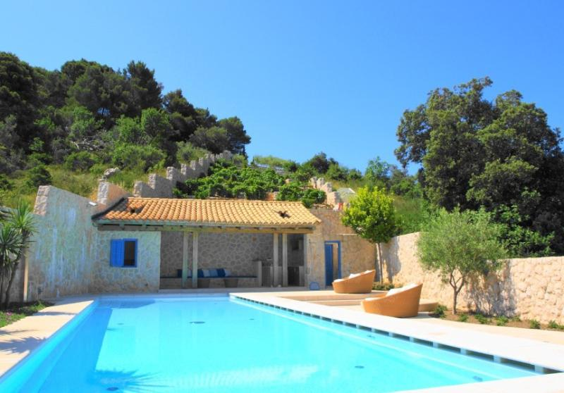 Stunning  Luxury Villa with Swimming pool - Image 1 - Dubrovnik - rentals