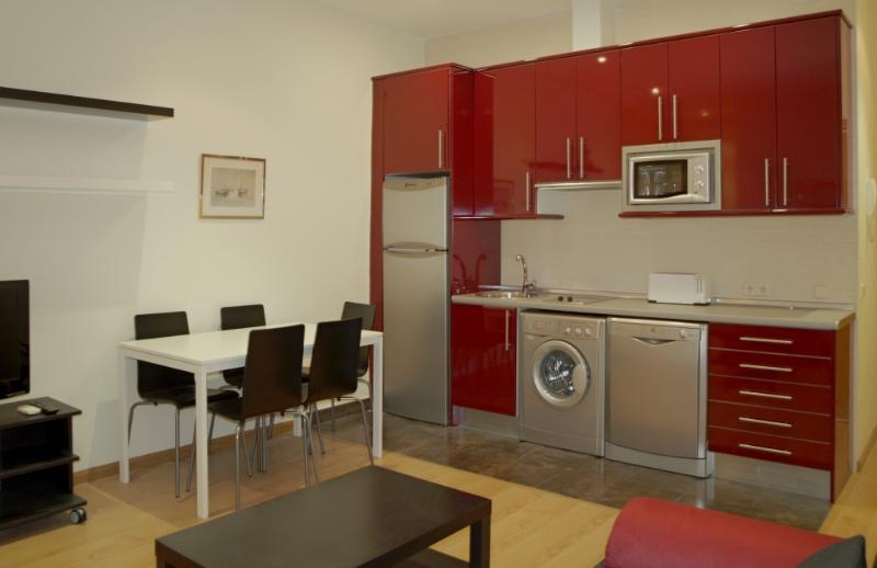 1 bedroom apartment Sol Huertas - Image 1 - Madrid - rentals