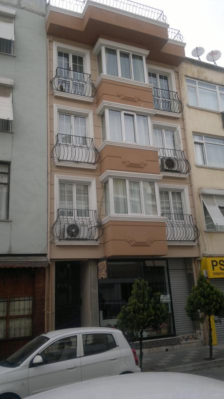 4 BEDS COZY PENTHOUSE AT PRIVILEGED CENTRAL AREA NEAR TO SEA  and FAMOUS PARK - Image 1 - Istanbul - rentals