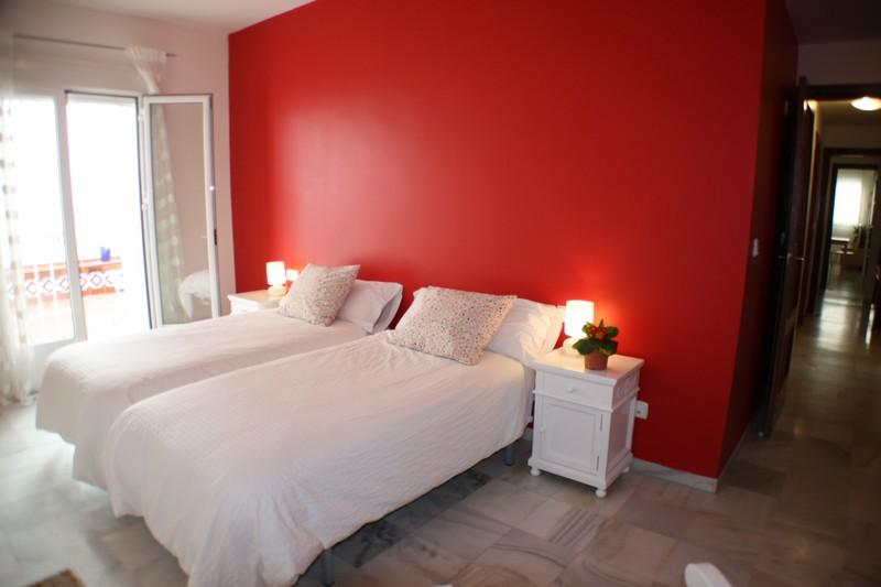 This apartment is decorated by the typical Andalusian colors. - WONDERFUL AND SPACIOUS APARTMENT, NEAR THE RIVER - Seville - rentals