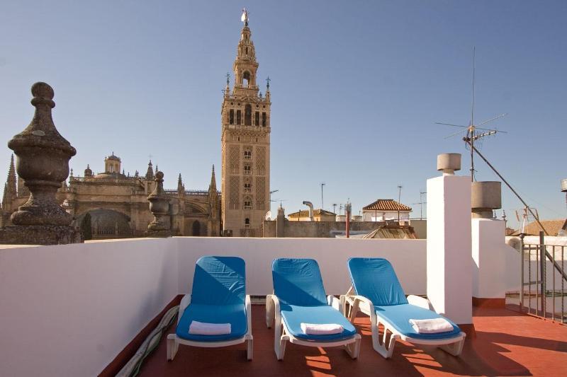 Towers Duplex Terrace Seville next to Giralda 3 pax - Image 1 - Sevilla La Nueva - rentals