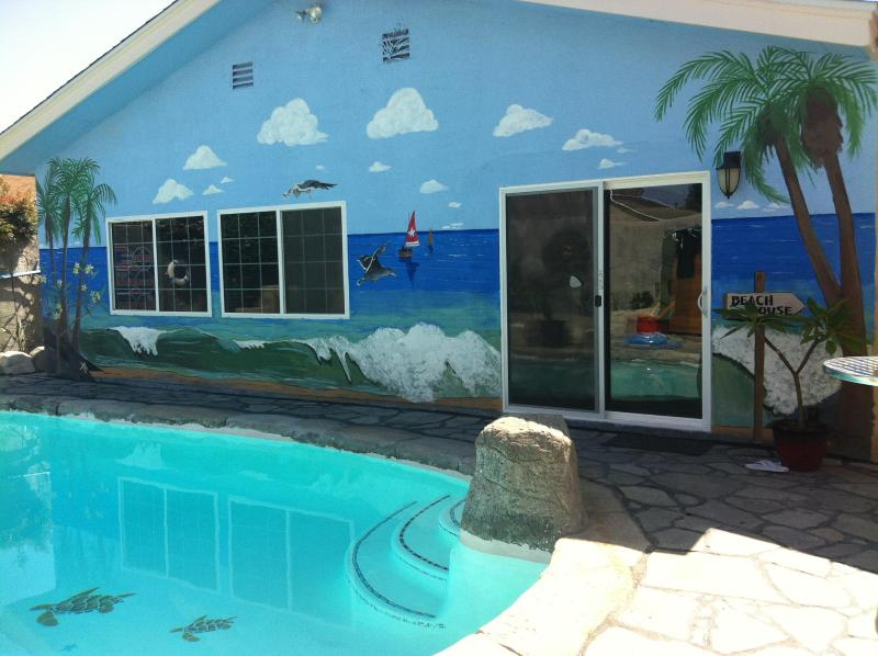 Deluxe Pool House walk to Disneyland and Conventio - Image 1 - Anaheim - rentals