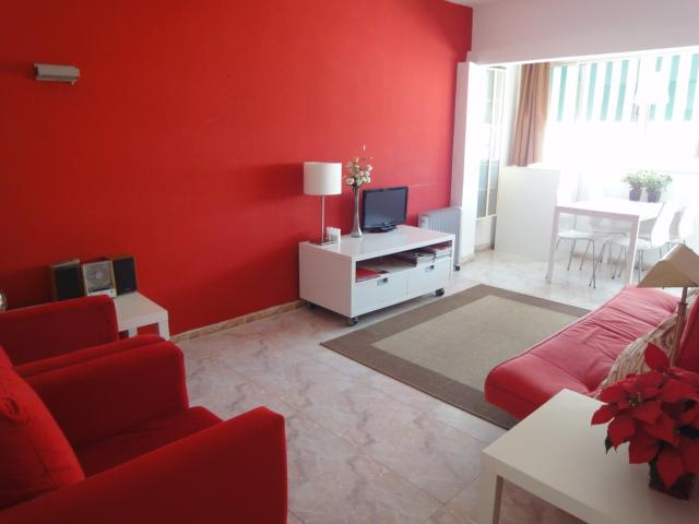 Living room - Rent a unique and very modern apartment in the center of Marbella, just 2 minutes to the beach. - Waldorf - rentals