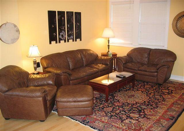 Downtown in the Old Mill this townhome offers it all, a hot tub included! - Image 1 - Bend - rentals