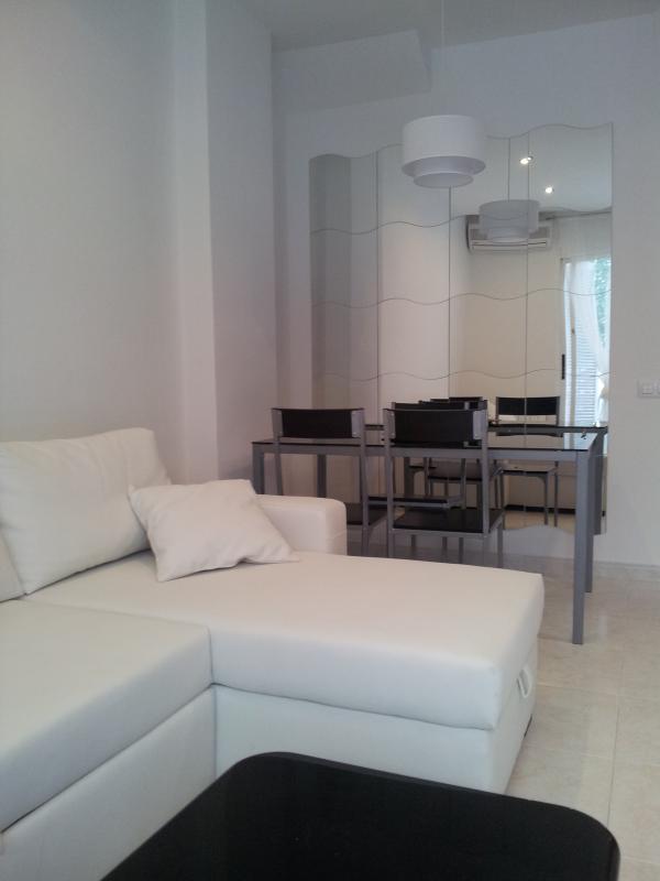 Apartment gaudi - Image 1 - Sitges - rentals