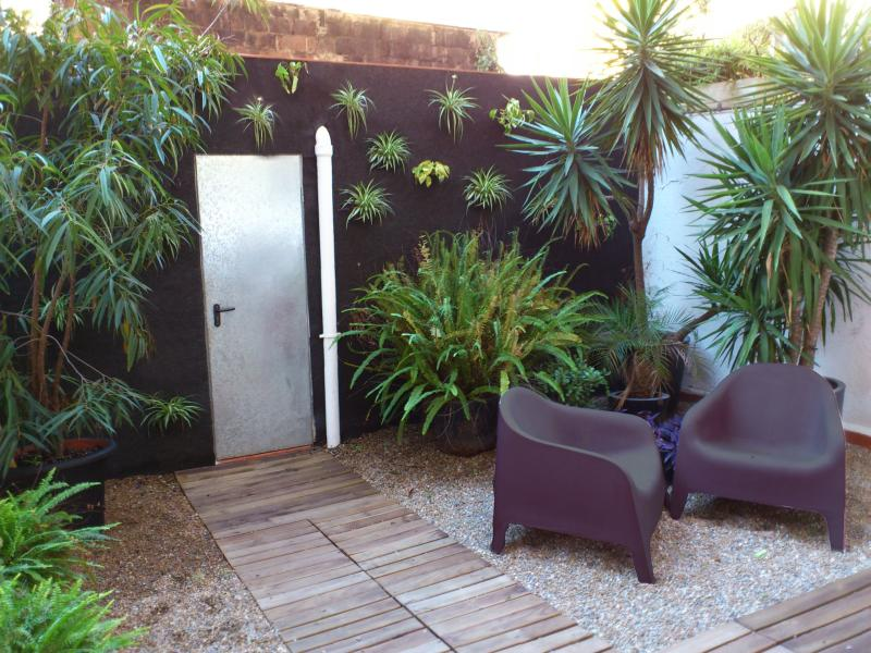 Relaxing on the terrace - Designer Loft + Large Private Terrace, City Center - Empuriabrava - rentals