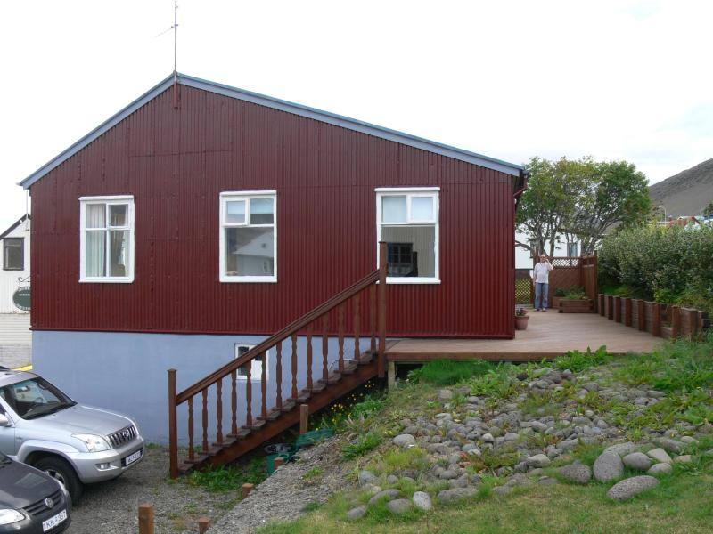 A charming house in the center of the Westfjords - Image 1 - Thingeyri - rentals