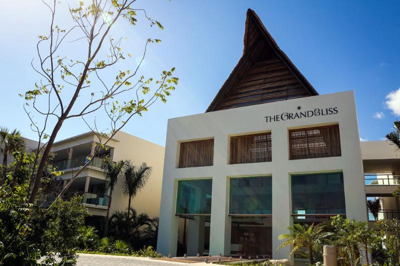 The Grand Bliss Resort - Riviera Maya, Mexico.  Between Cancun and Playa del Carmen - Grand Bliss Grand Master Suite-2 BR: Riviera Maya - Paamul - rentals
