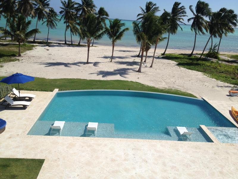 VIEW OF POOL AND BEACH - Spectacular Beachfront Villa-full Staff - Punta Cana - rentals