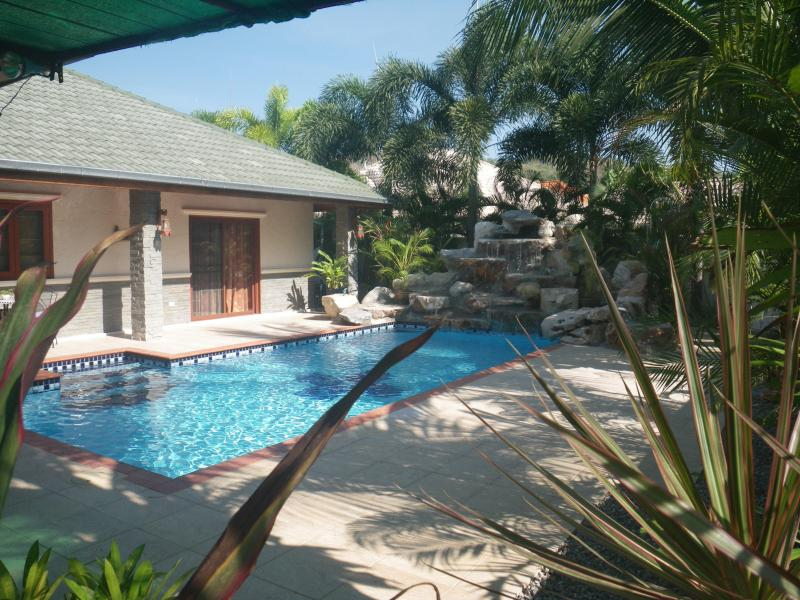View of villa and pool - Mountain Beach Executive Pool Villa - Hua Hin - rentals