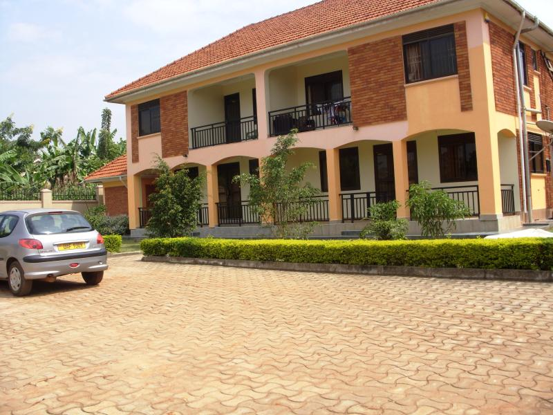 Outside of House - Semi-Detached House Furnished in Kiwatule Kampala - Kampala - rentals