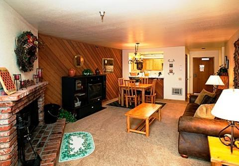 Aspen Creek Condo in Premier Location ~ RA470 - Image 1 - Mammoth Lakes - rentals