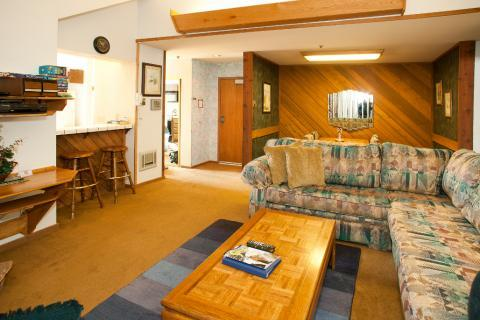 Aspen Creek Condo Only Short Walk to Chair 15 ~ RA471 - Image 1 - Mammoth Lakes - rentals