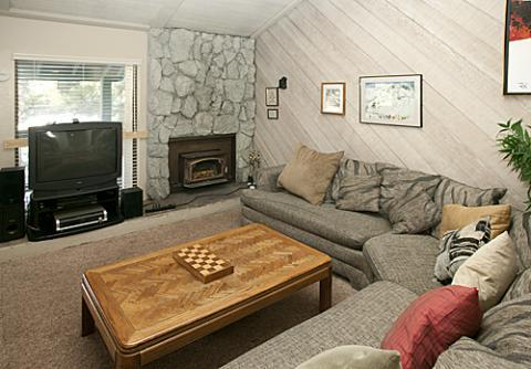 Sherwin Villas Spacious Condo Sleeps 11  ~ RA583 - Image 1 - Mammoth Lakes - rentals