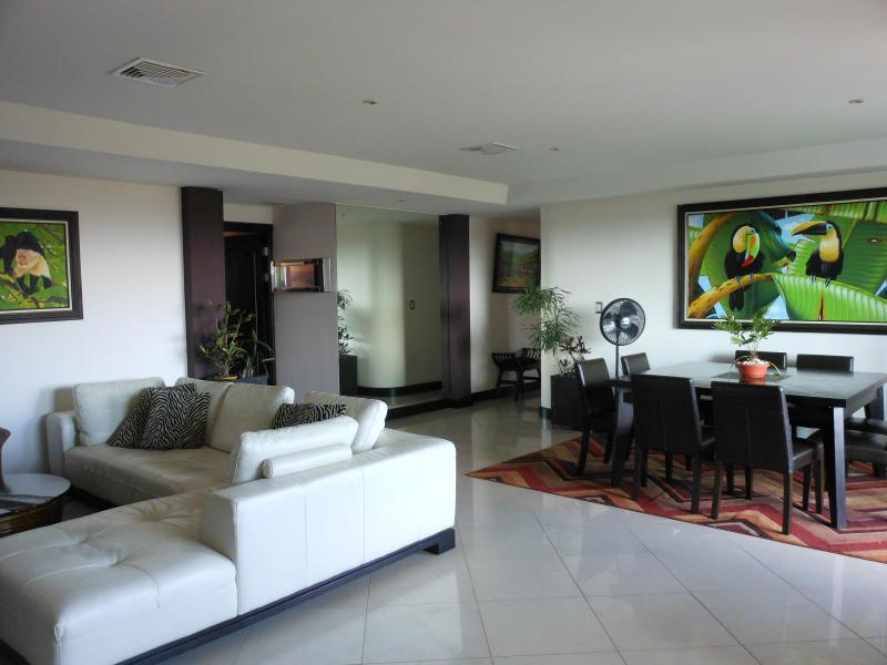 Open floor plan with amazing views and large balcony - Condo in exclusive area near San Jose, Costa Rica and airport - San Jose - rentals