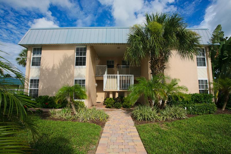 Minorga on the Key - Front View - Welcome to your Island Home! - Sarasota - rentals