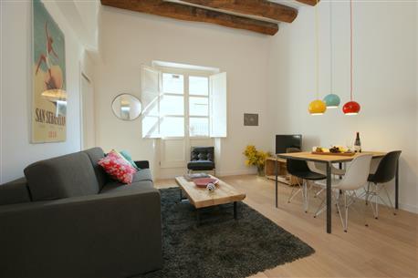 Ramblas Deluxe Apartment D - Image 1 - Barcelona - rentals
