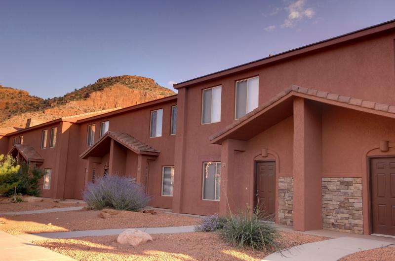 Welcome Home! - Kanab Townhome by Zion, Bryce, and Grand Canyon - Kanab - rentals
