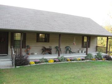 Main House - Dogwood Hills Bed & Breakfast, Farm Stay and more - Harriet - rentals