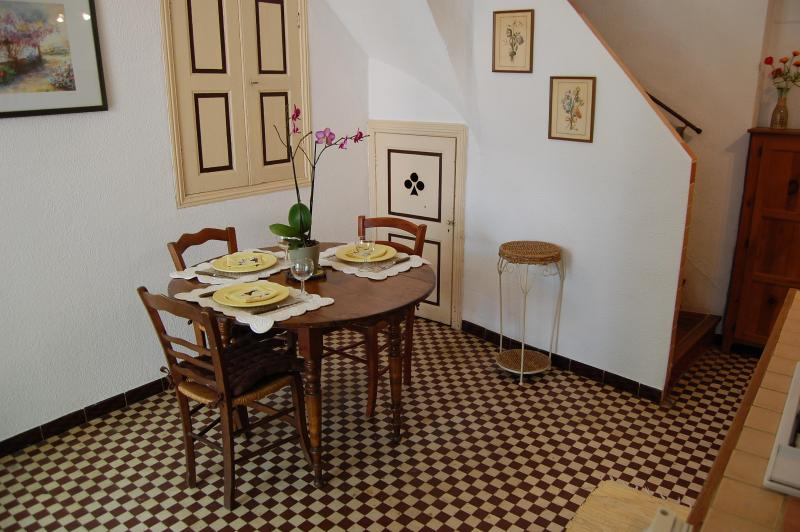 4 Km From  Canal Du Midi , Charming House  For You!! - Image 1 - Cruzy - rentals