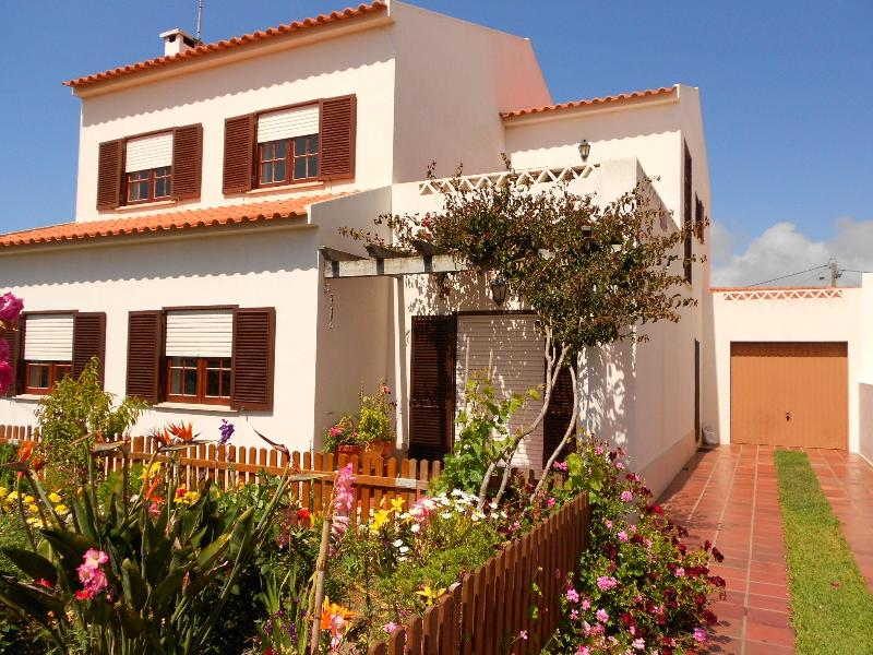 Villa - House / Villa Santa Cruz for rent / 2 - 12 people - 700m from the Beach - Santa Cruz - rentals
