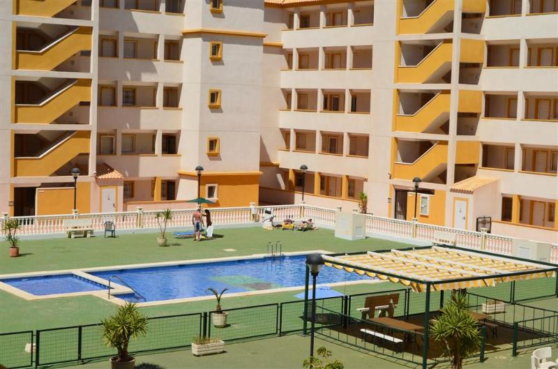 3 Bedroom Apartment - Free Wifi - Communal Pool - Balcony - Image 1 - Mar de Cristal - rentals