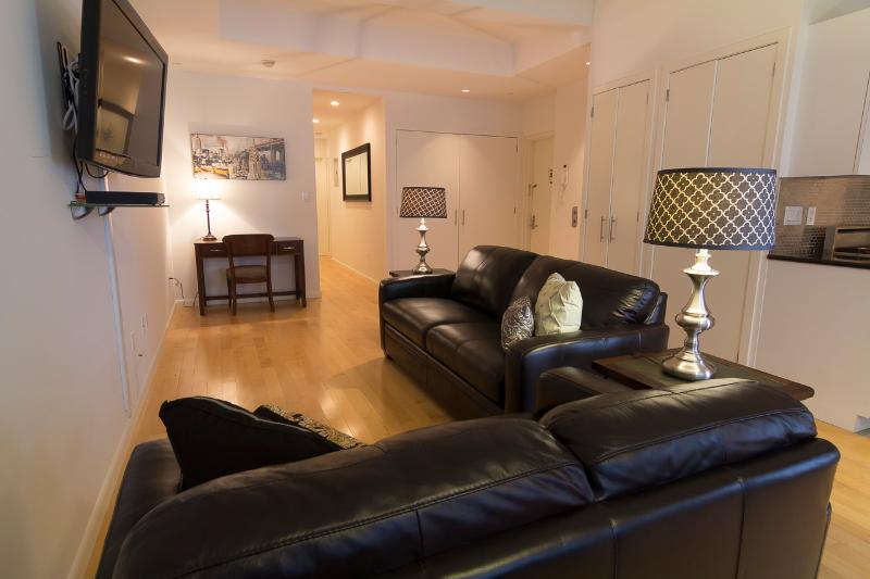 Living Room with sleep sofa - Sleeps 8! 3 Bed/2 Bath Apartment, Times Square, Awesome! (8450) - New York City - rentals