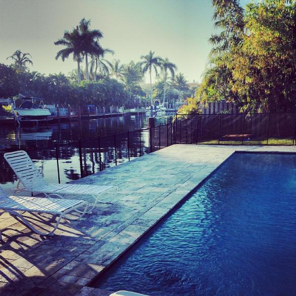 Waterfront in prime location, guest house, pool - Image 1 - Fort Lauderdale - rentals