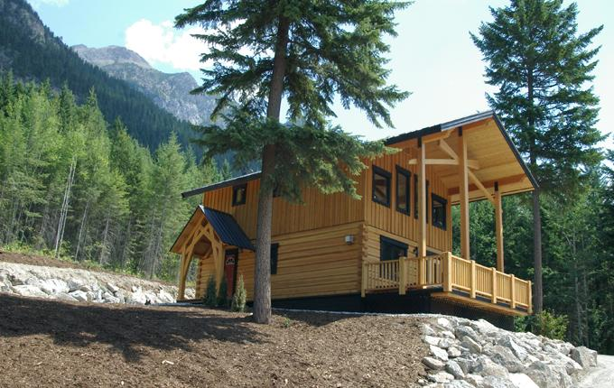 Bear Lodge, summer shot - Bear Lodge - luxury 3 bedroom with mountain views - Golden - rentals