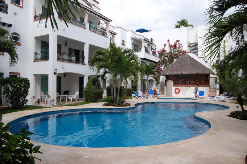 Gaviotas  AWESOME  and economic condo - Image 1 - Playa del Carmen - rentals