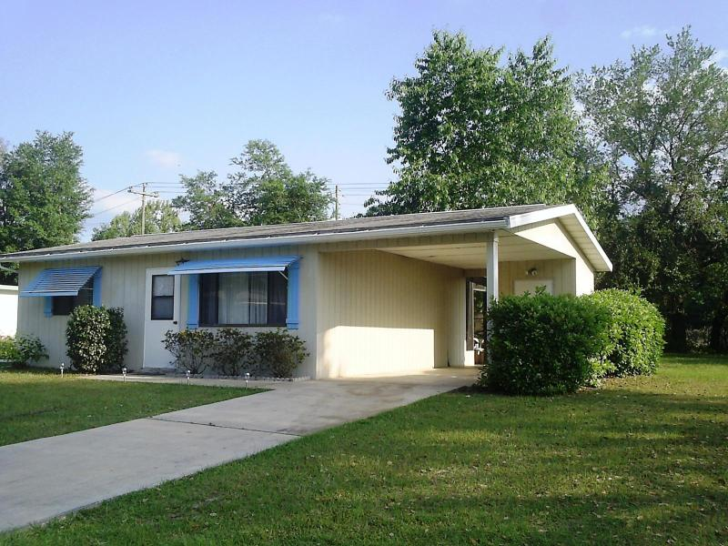 Affordable Cozy Vacation Home on Quiet 55+ Communi - Image 1 - Ocala - rentals