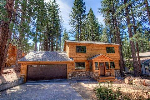 Cute Lake Tahoe Home One Mile from Heavenly and Casinos ~ RA747 - Image 1 - South Lake Tahoe - rentals