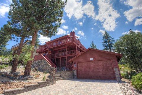 Enjoy Sierras at Executive Tahoe Home ~ RA762 - Image 1 - South Lake Tahoe - rentals