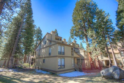 Rest Easy in Centrally Located Condo ~ RA828 - Image 1 - Kings Beach - rentals