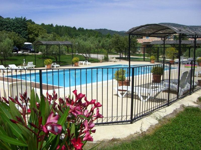 swimming pool - Superb 3 Bedroom Villa Sara, at Le Clos Saint Michel - Malaucene - rentals