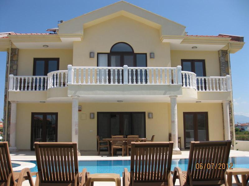 Villa Yaz. Private villa sleeping 8 - Villa Yaz. Dalyan, Turkey.  Private villa. - Dalyan - rentals