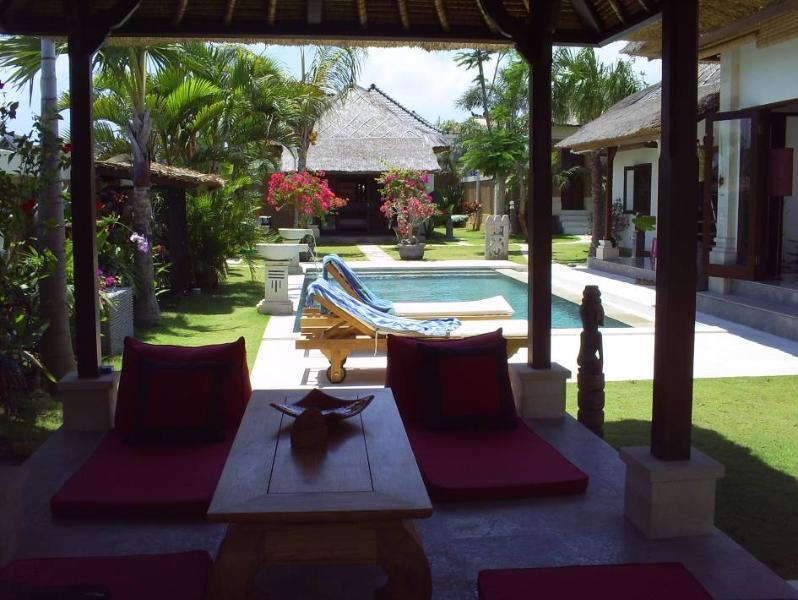 Outdoor - Beautiful Villa Rumah Madu in Drupadi st  Seminyak - Bali - rentals