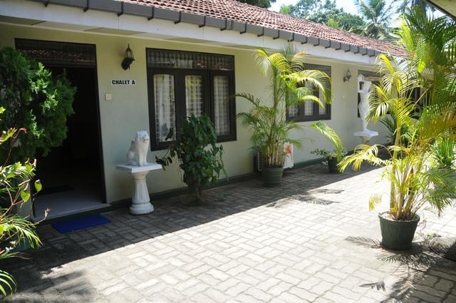 Front veiw - Amaya Chalet B&B -Near Negombo beach/Colombo Airport - Negombo - rentals