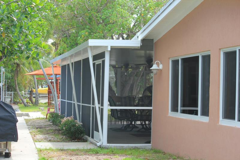 Back of the house facing the water - Laid Back and Waterfront (Monthly Rental) - Key Largo - rentals