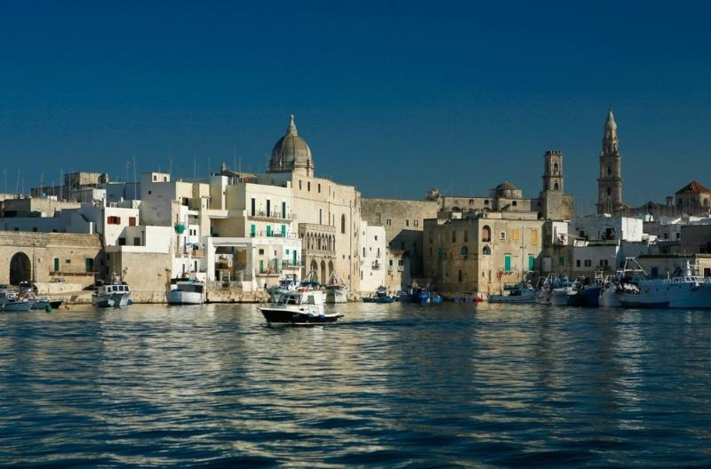 Looking the old town from the sea - CASA GENTILE B. and B. - old town near the sea - Monopoli - rentals