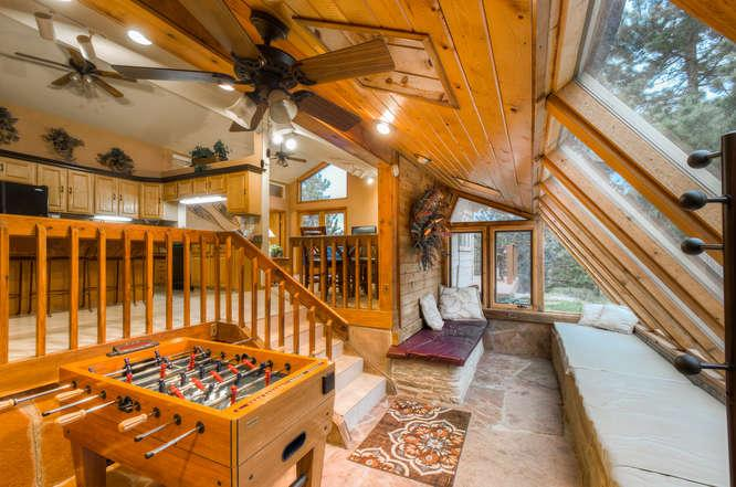 Sunroom - 5 Star, Spacious, Private, Western Lodge in Coal C - Golden - rentals