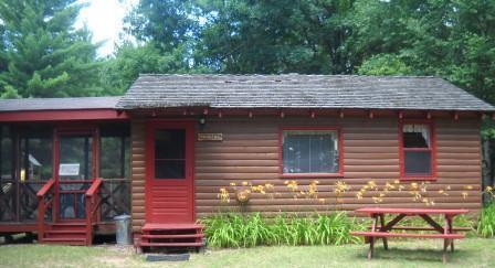 Cabin as it faces the lake - Kathan Inn & Resort - Arbutus - Eagle River - rentals